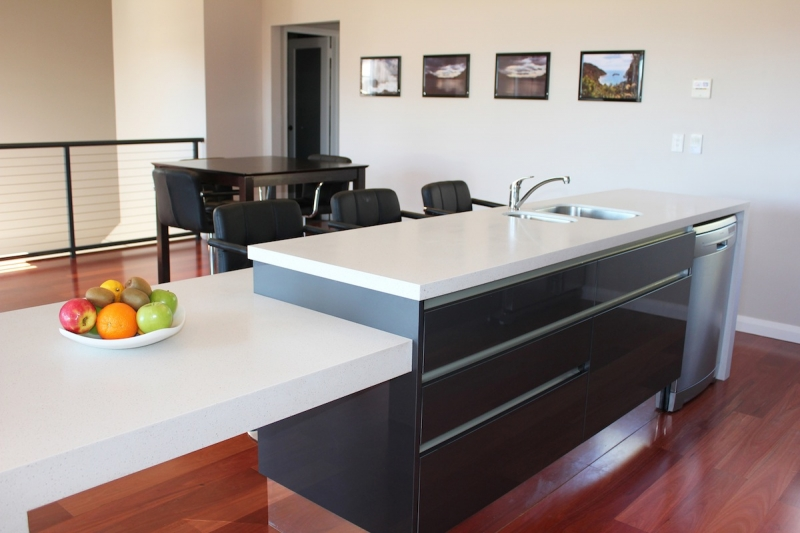 Kitchens perth kitchen design renovations kitchen for Bathroom cabinets joondalup